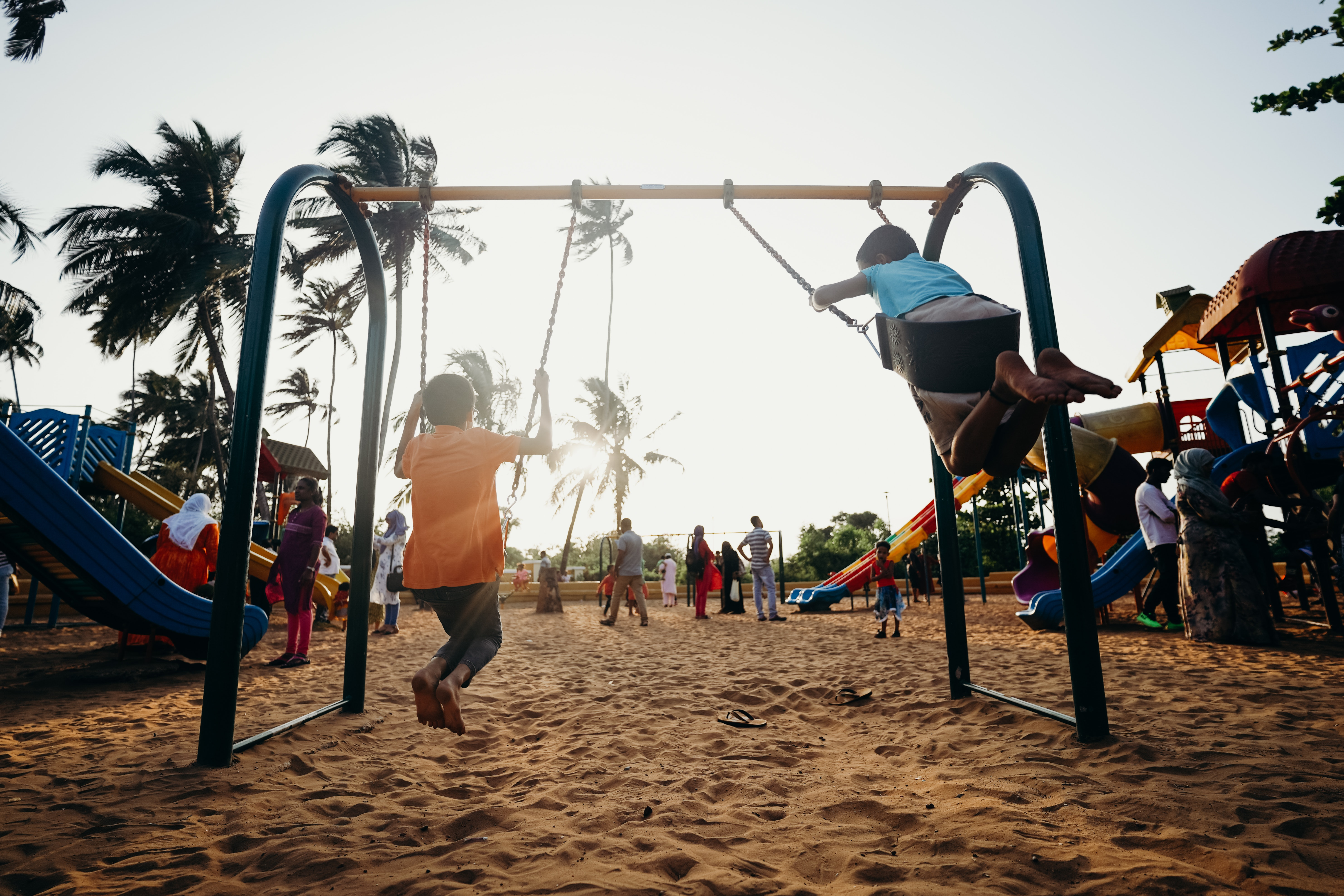 toddlers_playing_on_swings
